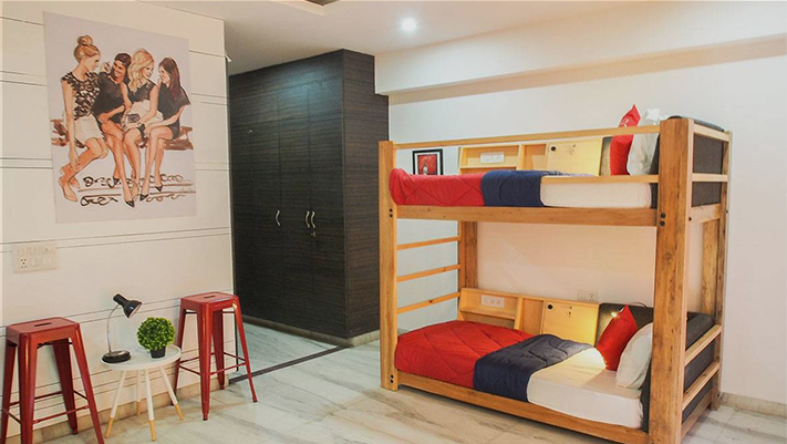 hostel-image-/media/1042/hostelview.jpg
