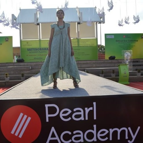 Pearl Academy celebrates Khadi with a Unique Fashion Show